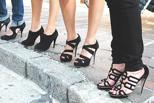 Sepatu hak tinggi Stiletto