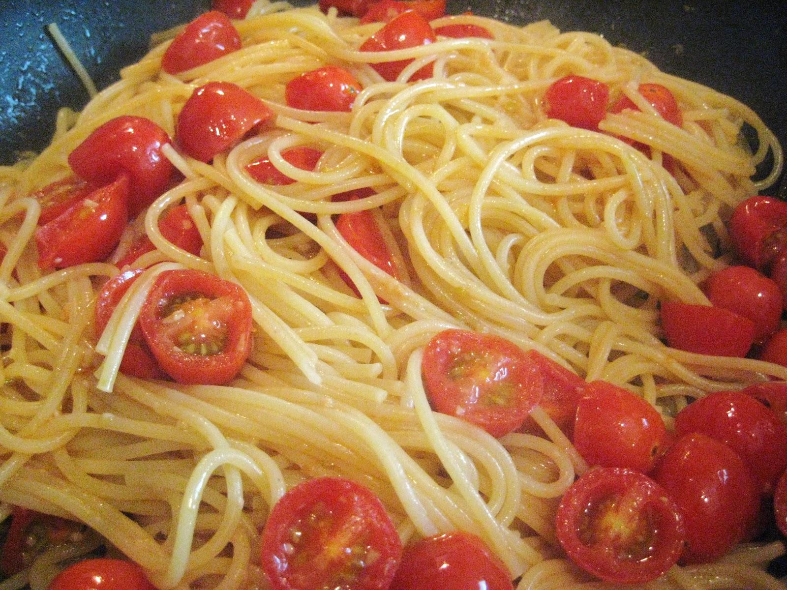 Britt's Apron: Sauteed Basil and Grape Tomato Spaghetti