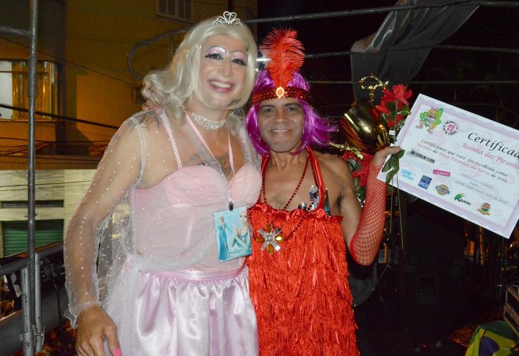Jorge Aranha, pres. do bloco Piranhas da Serra, com vencedor do concurso Rainha das Piranhas