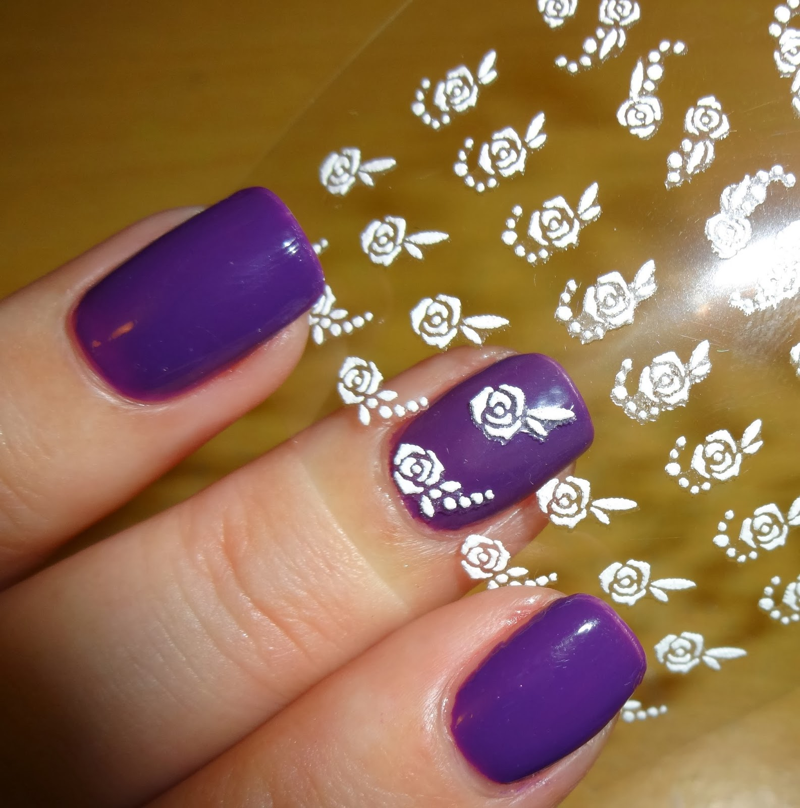 Wendy\'s Delights: Sparkly Nails Roses White Nail Stickers