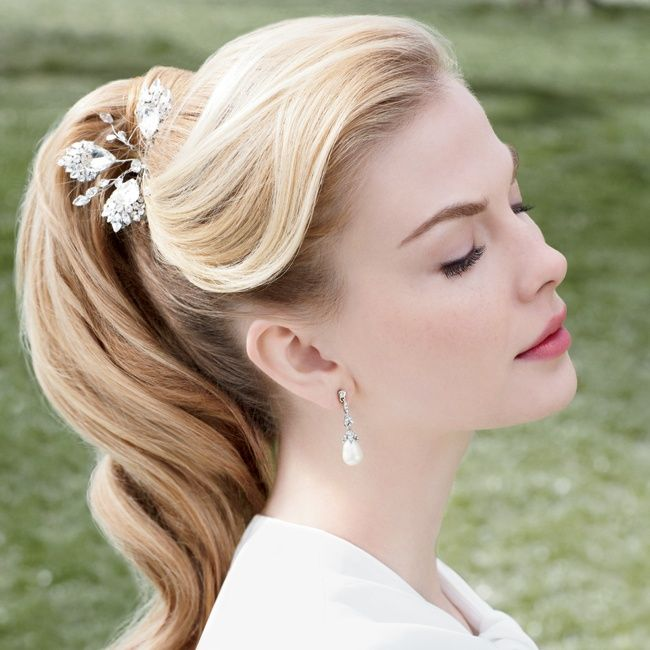 este peinado es de lo ms elegante y si no te gusta ir repeinada quedar ideal con mechones de pelo sueltos perfecto para conseguir un estilo bohemio