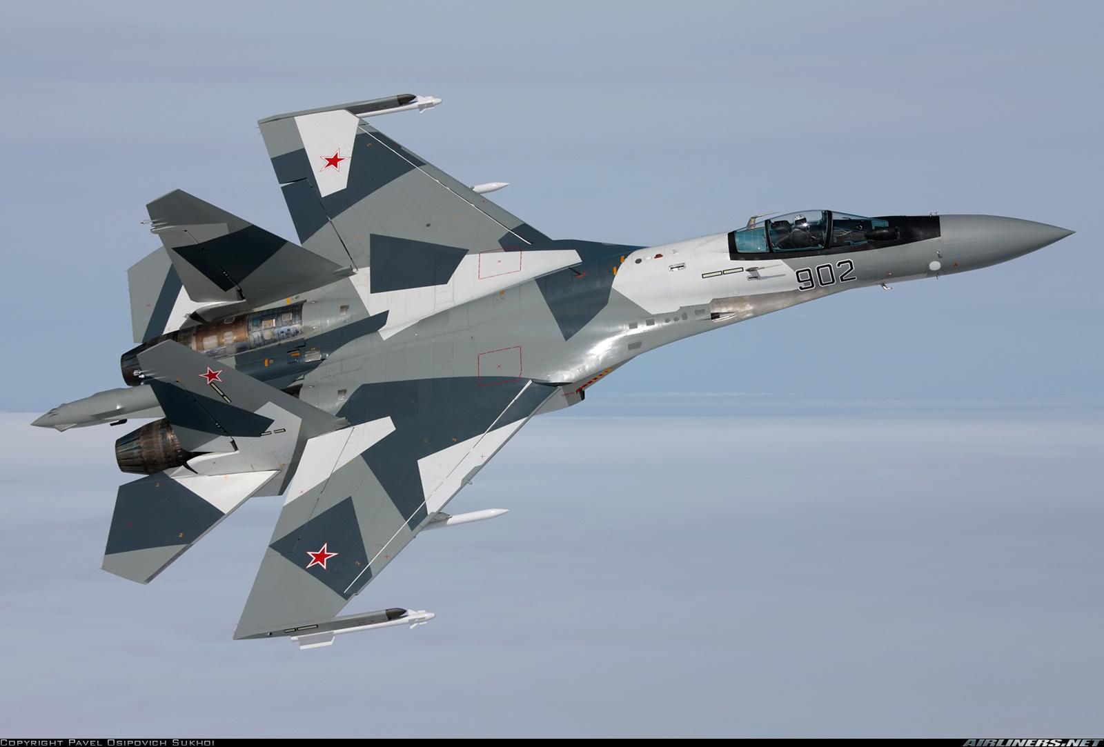 ... tornaram a oferecer o Su-35 ao Brasil durante a visita de Medvedev: armamentoedefesa.blogspot.com/2013/02/russos-tornaram-oferecer-o-su...