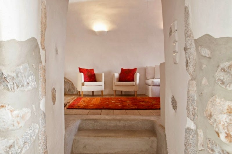 paredes de piedra encaladas