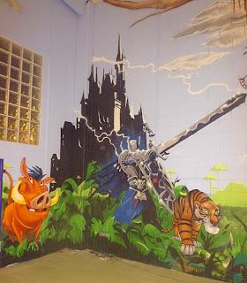 Mural infantil de selva y castillo