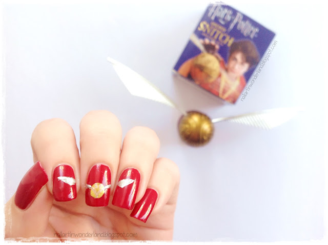 Harry Potter Quidditch Snitch Nail Art