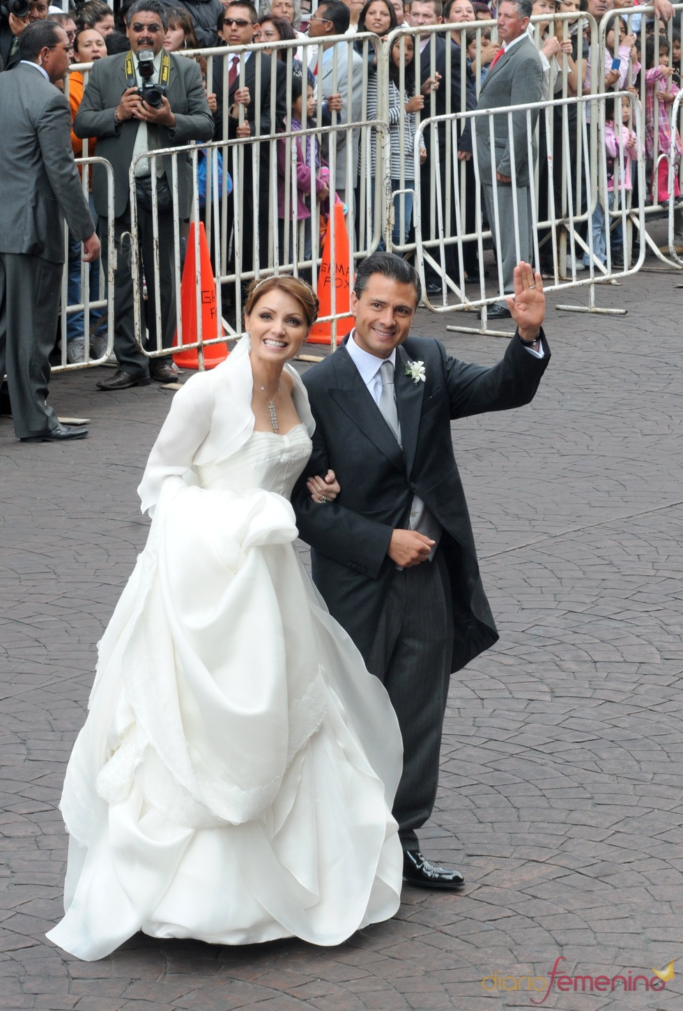Jenni Rivera Boda Anglica rivera looks like