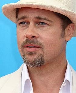 Brad Pitt mide 1,80 metros.
