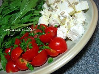 feta-tomato-mizuna