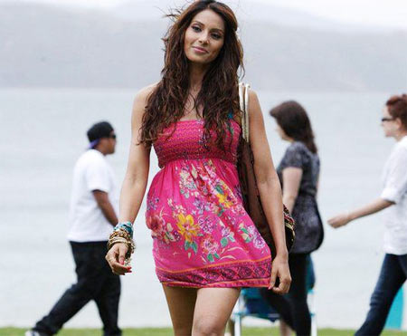 Bipasha Basu1 - HOT Pink Dress