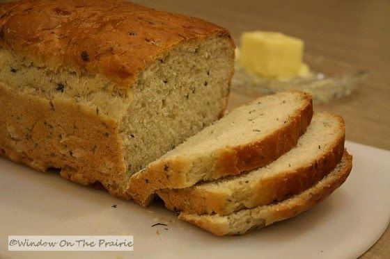 http://windowontheprairie.com/2011/02/18/easy-no-knead-herb-bread/