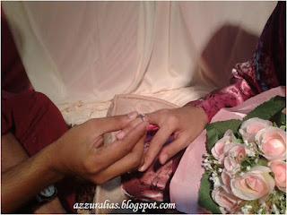 Sarung Cincin Tunang, Bunga Tangan