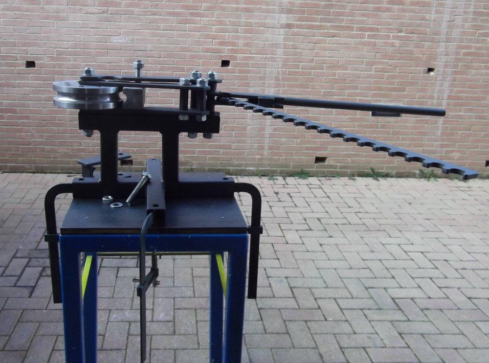 Costafabbri custom choppers come costruire una piegatubi for Costruire una tettoia fai da te
