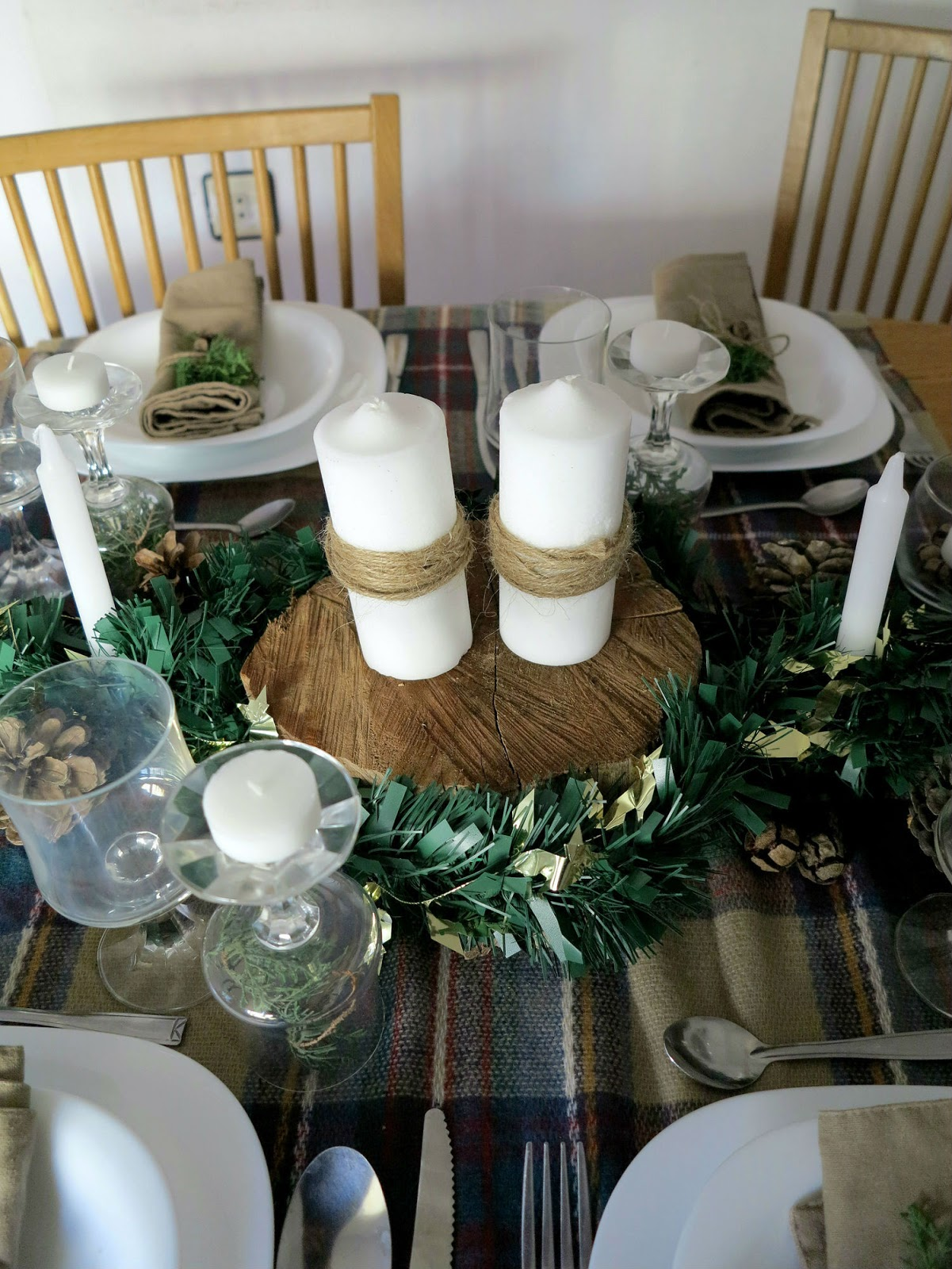 Rocco en mi sofa mi mesa de navidad r stica for Decoracion navidena rustica
