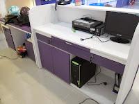 funiture semarang display etalase meja cs meja kasir display gantung toko hp 04
