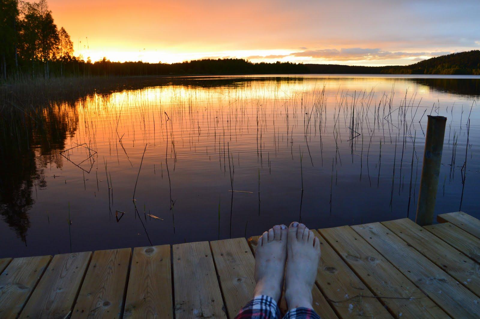 Bara fötter och ljusa nätter