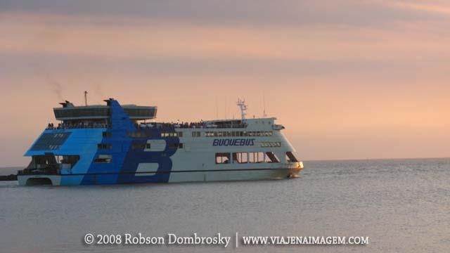 viagem de moto - buquebus para travessia colonia a buenos aires