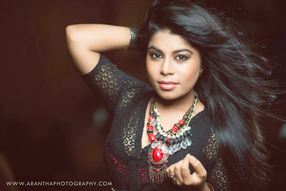 UMARIA SINHAWANSA PERERA sri lankan singer