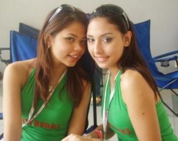 young-zarina-an-julie-nude
