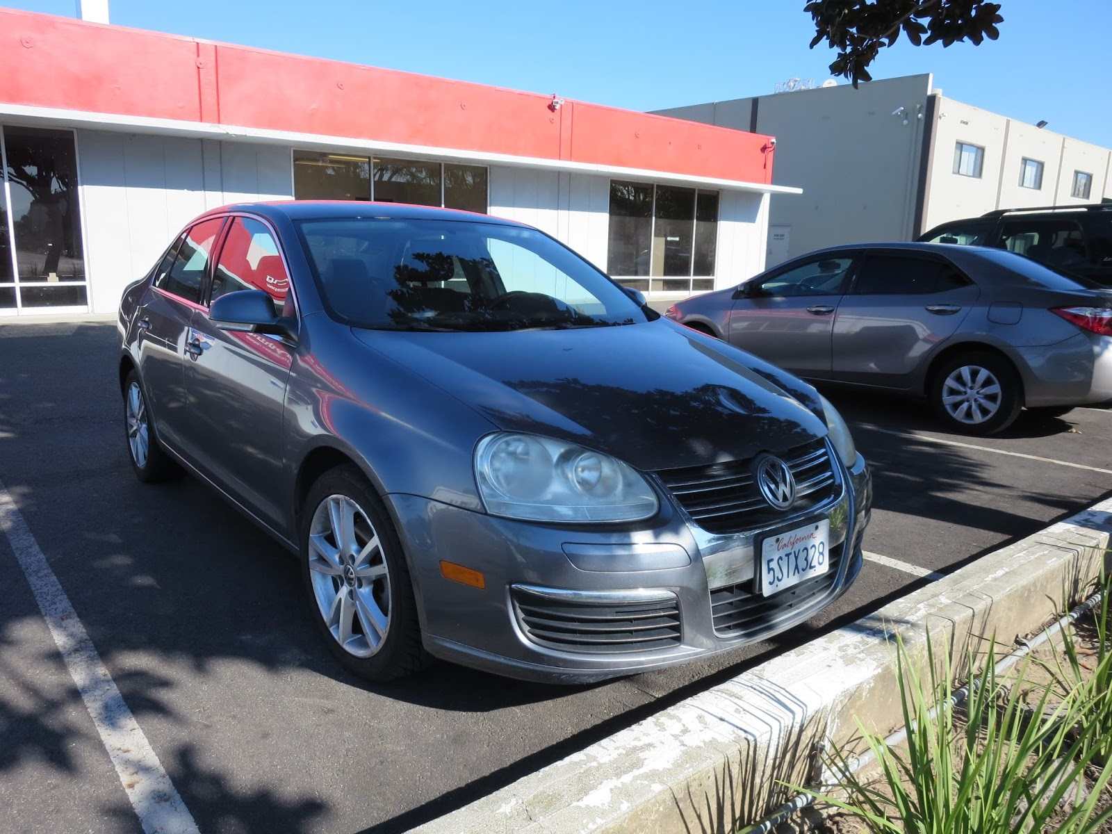 Auto BodyCollision RepairCar Paint In FremontHaywardUnion City - Volkswagen collision repair
