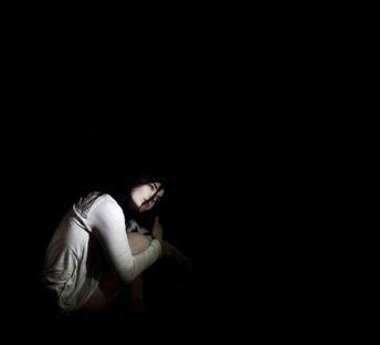 Negra, como noche sin luna ha sido tu ausencia