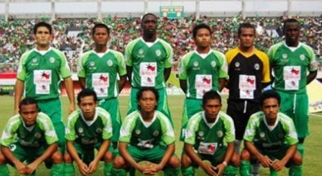 Indonesia. Partido con 5 goles en propia meta !!
