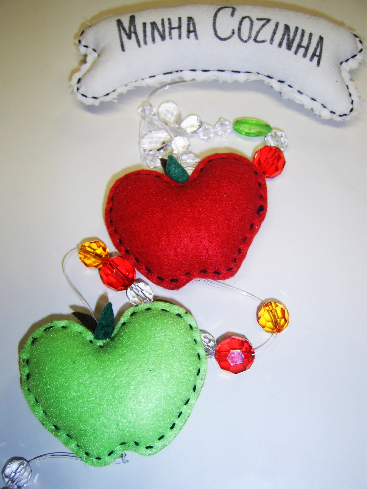 Artesanato Infantil Com Jornal ~ Meire Artesanato Mobile em Feltro para cozinha
