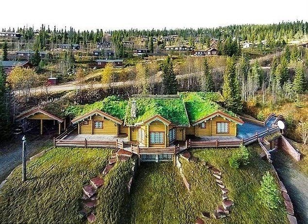 A house which placing by perfectly at Trysil, north of Oslo in Norwegian have design on the 6,940-square-feet and Michael Schumacher landed her name as the owner.  The ski chalet was originally be habited since 1990s for the family holiday, but today as Telegraph.co.uk report, the property recently put on market list for £ 2 Million.