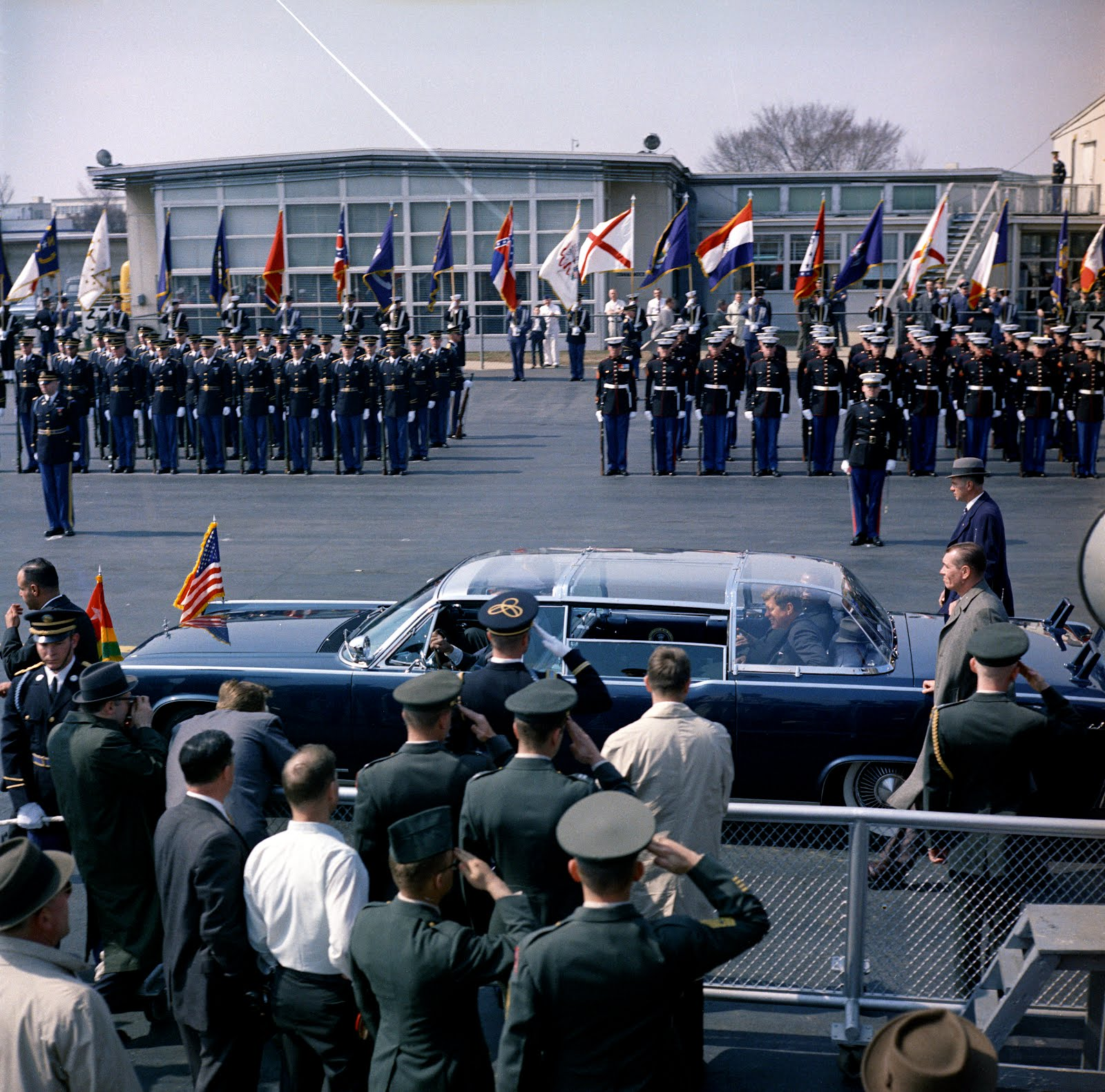 3/20/62: the bubbletop JFK supposedly hated...and agents beside the limo