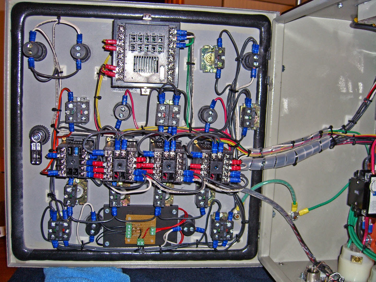 Rotten\'s Electric Brewery: Control Panel Wiring Done