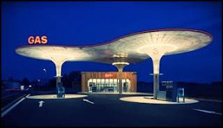 stesyen-minyak-futuristik