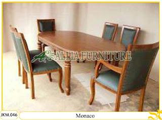 Kursi dan Meja Makan Kayu Jati Ukiran Monaco