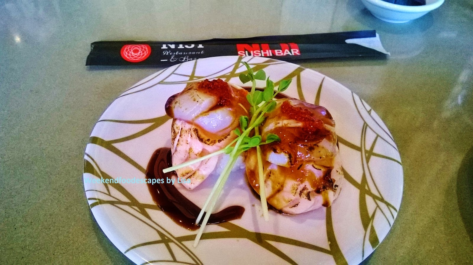 A Deluxe Plate 6 Above Is The Seared Salmon And Scallop Roll Its Fresh Delicious Was Enjoyed In Two Very Quick Bitefuls