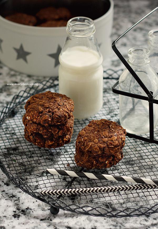 Owsiane ciastka czekoladowe (bez mąki, z fasolą)
