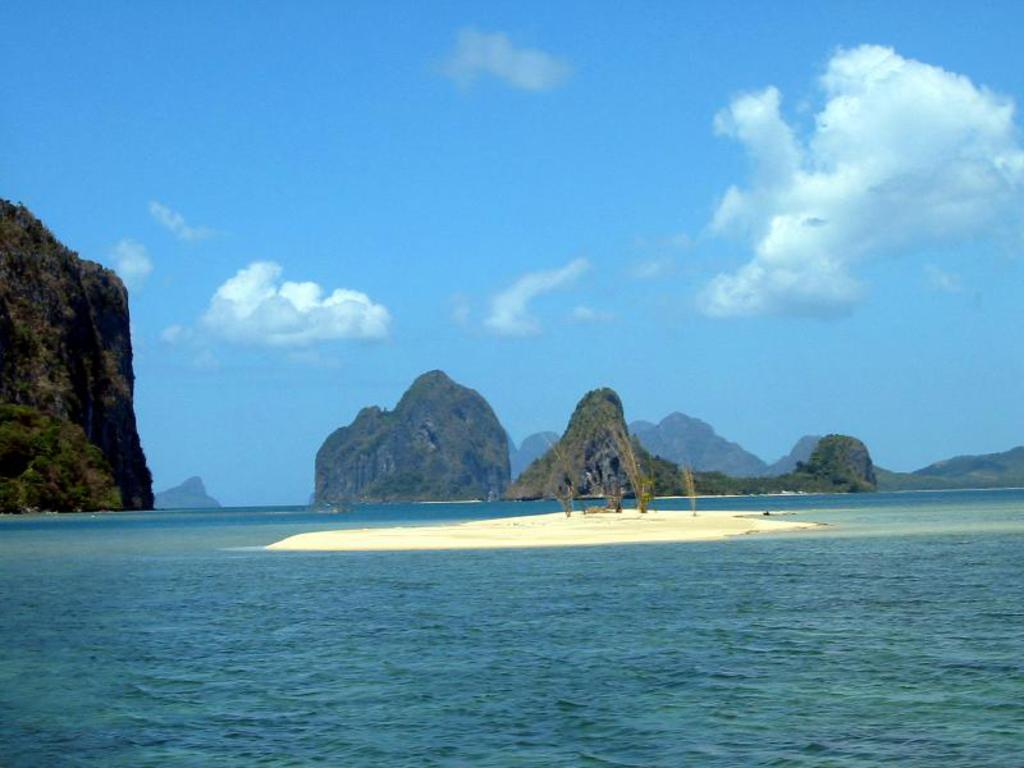 http://3.bp.blogspot.com/-xLF748RCWCU/T0wiWp6vknI/AAAAAAAAACQ/AyTMOXvKAms/s1600/palawan_beach_Wallpaper_obmii.jpg
