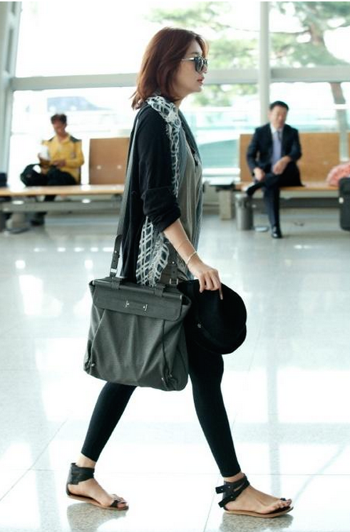 Yoon Eun-hye Airport Fashion Style