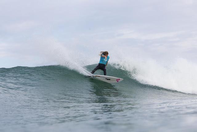 61 Stephanie Gilmore Roxy Pro France Foto WSL Poullenot Aquashot