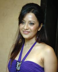 Reema Sen hot and sexy Tamil actress images 8