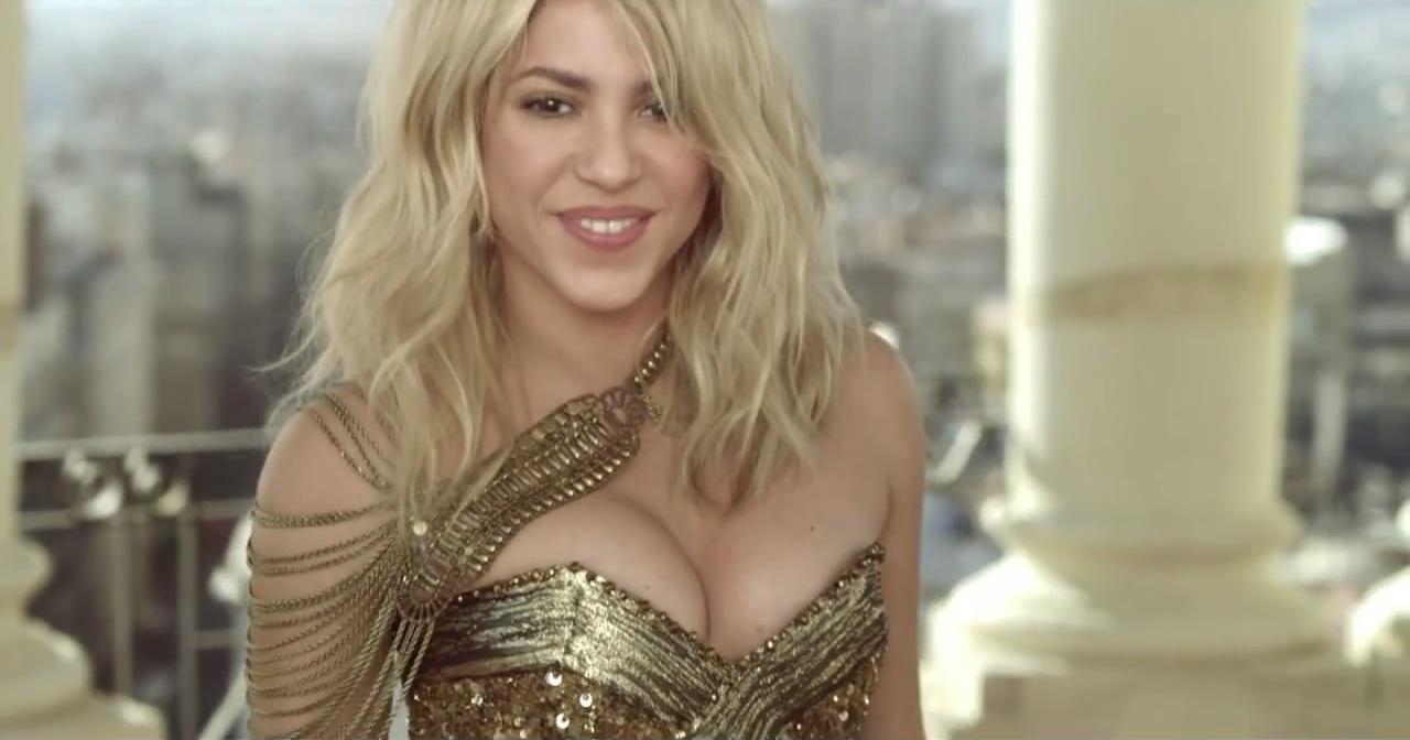 Шакира беременная в клипе