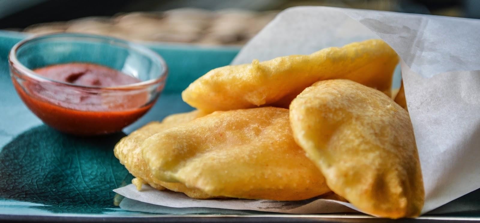 Aloo Pakoda/ batata Bhaji/ Potato fritters