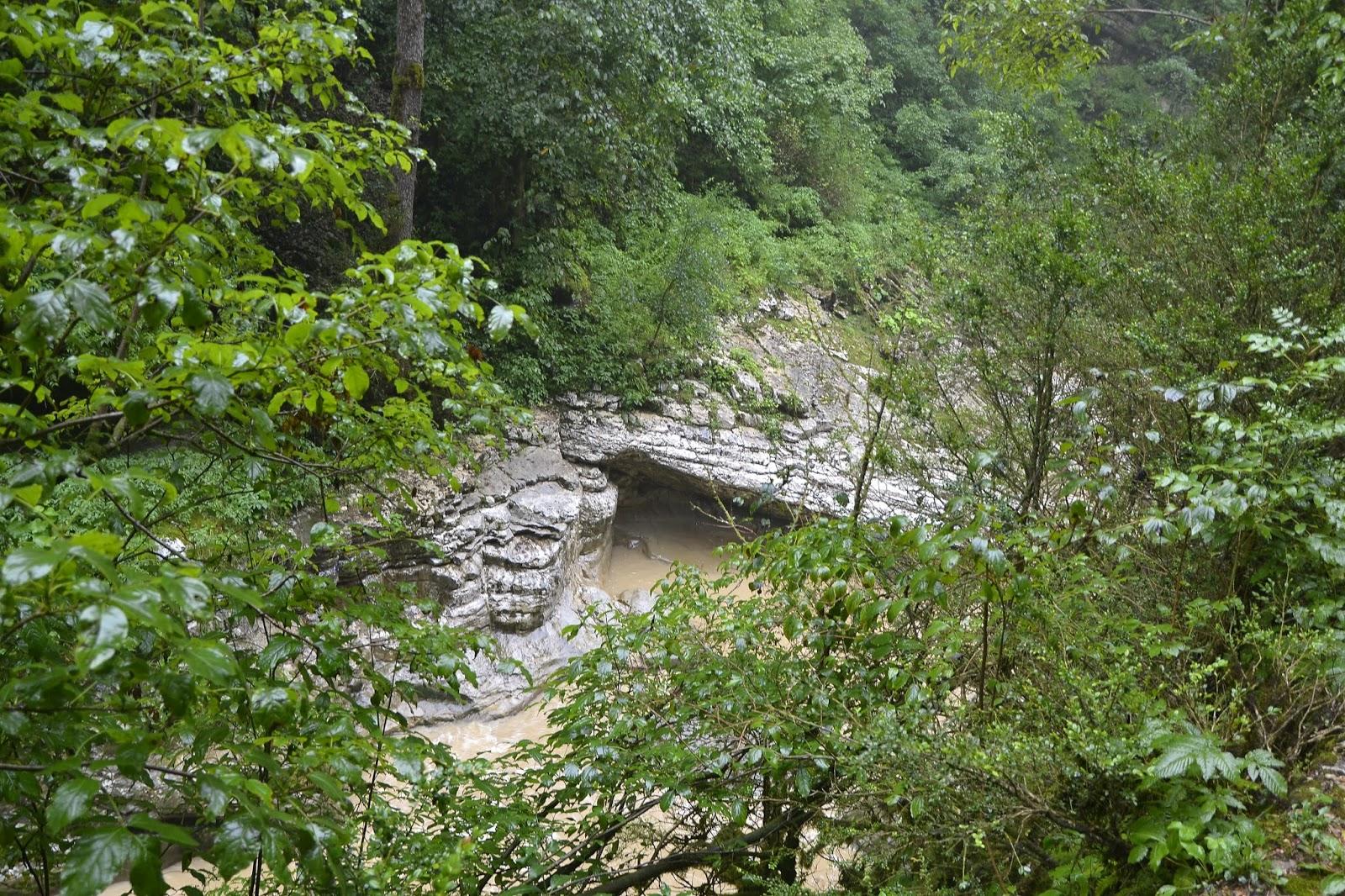 Гуамское ущелье, отдых на Кубани
