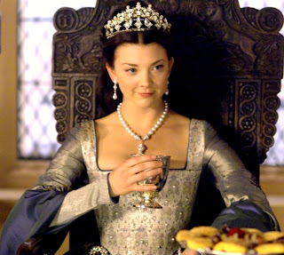 Natalie+Dormer+as+Anne+Boleyn+in+The+Tud