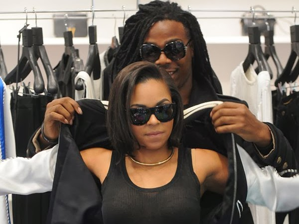 Ashanti Went Shopping With Mystery Man In Wayfarer Glasses