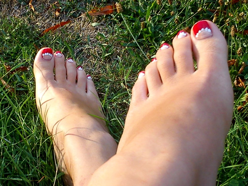 Vp nails en ce moment sur mes pieds - Pied vernis rouge ...