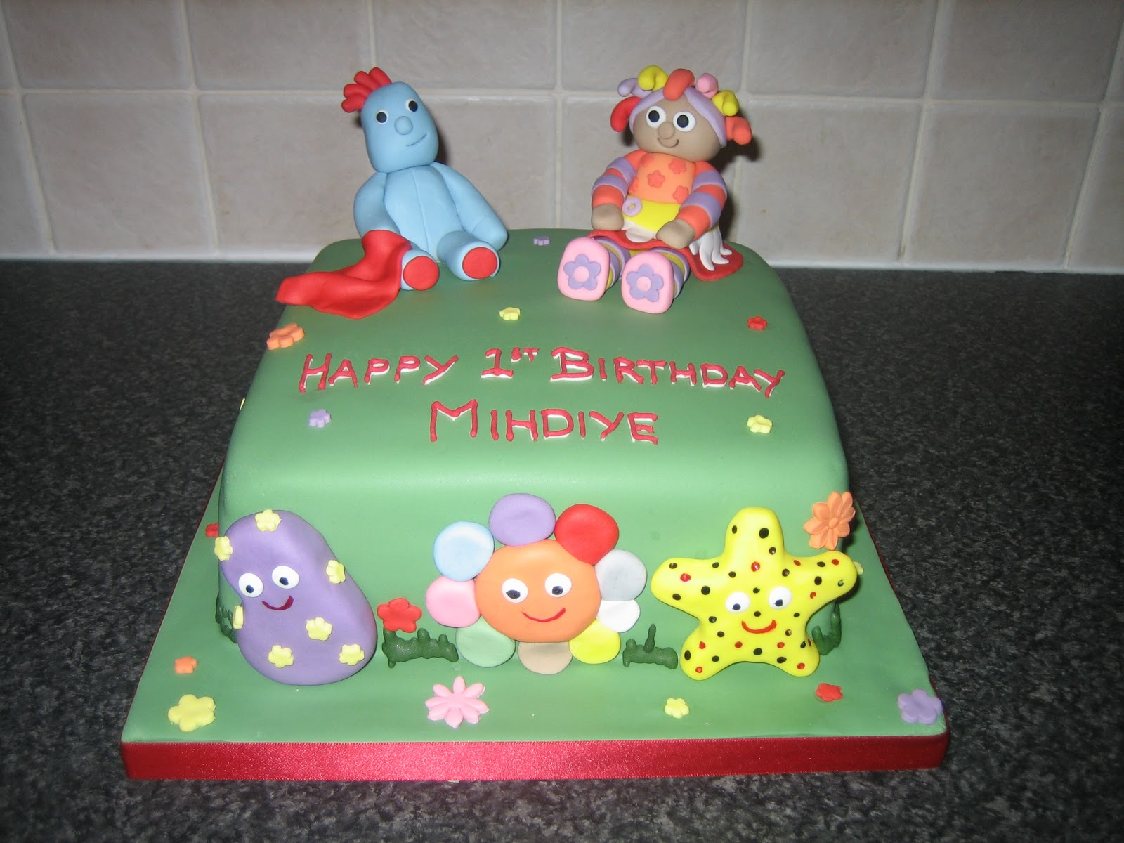 Sarah T Cakes: Childrens in the night garden character cake.