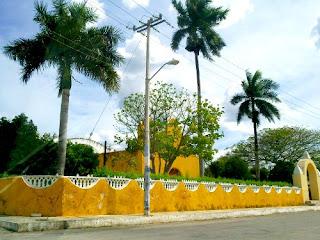 Sudzal Iglesia Yucatan Mexico