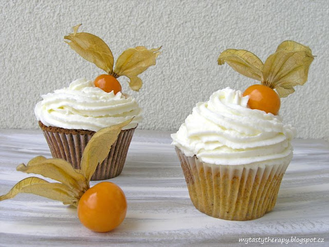 2 in 1 cupcakes with physalis