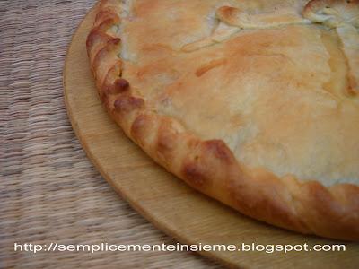 Semplicemente Insieme: Torta rustica con peperoni, mozzarella e ...