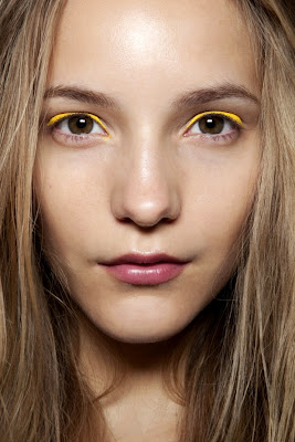 Autumn Trend - Eye Shadow in Neon Colors