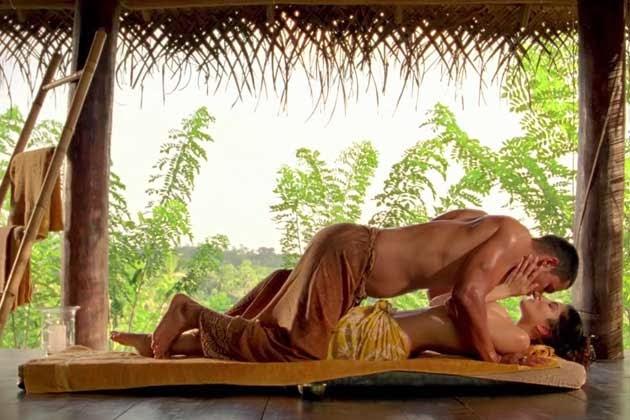 Sunny Leone randeep hooda steamy scene in Jism 2