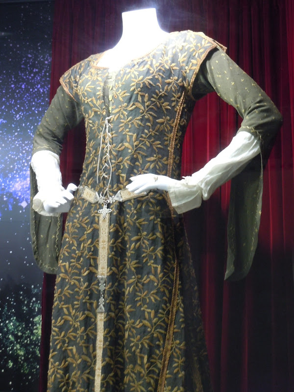 Dancing gown Robin Hood